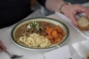 <h5>Feines, sehr feines Essen</h5><p>Hervorragend das Züri-Gschnätzlets mit Nudeln und Saisongemüse. </p>