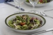 <h5>En Guete.</h5><p>Die KüchenCrew der Pestalozzistiftung legte sich ins Zeug. Der Salat zur Vorspeise war eine Wucht. </p>